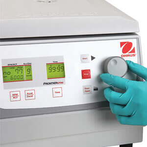 https://eu-it.ohaus.com/Ohaus/media/Products/Instruments/Centrifuges/Frontier%205000%20Series%20Multi/Family%20Images/Frontier-5000-Series-Multi-USP1.jpg?ext=.jpg